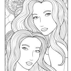 Две женщины с длинными волосами
