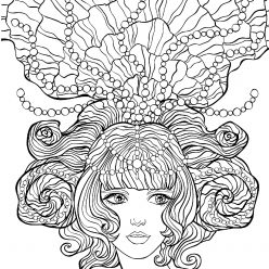 Морская принцесса с жемчугом в волосах